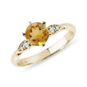 Citrínový prsten ve žlutém zlatě s diamanty KLENOTA